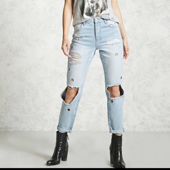 Forever 21 Denim - Forever 21 distressed grommet jeans